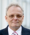 Portrait Dr. Siegfried Wassenberg, Rheumazentrum Ratingen, Rheumatologische Schwerpunktpraxis, im Themistocles Gluck hospital Ratingen, Ratingen, Rheumatologe