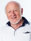 Portrait Dr. med. dent. Dipl. Biol. Joachim Busse, Ganzheitliche Zahnmedizin und Prophylaxe, Neumünster, Zahnarzt