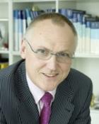 Portrait Dr. med. Thomas Eckstein, Praxis für Mund-, Kiefer-, Gesichtschirurgie, Mönchengladbach, MKG-Chirurg