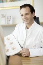 Portrait Dr. med Christian Lenz, Institut für plastische & ästhetische Chirurgie, München, Plastischer Chirurg