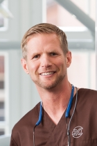 Portrait Dr. med. dent. Kai Zwanzig, Praxis für Zahnheilkunde und Kompetenzzentrum Implantologie Bielefeld, Bielefeld, Zahnarzt, Oralchirurg