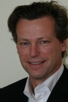 Portrait Dr. Andreas Schröder, Medentes Zahnarztzentrum, Dr. Schröder & Partner, Berlin, Zahnarzt