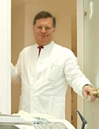 Portrait Privatdozent Dr. Dr. Kristian Bieniek, Wuppertal, Zahnarzt, Arzt