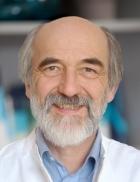 Portrait Dr. med. Hartmut Hunger, Praxis für Innere Medizin im ÄrztePunkt Nymphenburg, München, Internist