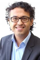 Portrait Dr. Heitham Abu-Nasir, Chirurgische Gemeinschaftspraxis Solingen, Praxisklinik in den Kölner Höfen, Solingen, Gefäßchirurg