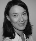 Portrait Christine Lindberg, Zahnarztpraxis Johnsallee, Praxis für Zahnheilkunde, Hamburg, Zahnärztin
