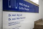 Logo HNO-Arzt, Facharzt für Hals-Nasen-Ohren-Heilkunde : Dr. med. Jörg Lutz, HNO-Praxis am Grillo-Theater in Essen, HNO-Privatpraxis in Essen, Essen
