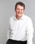Portrait Dr med Martin Zoppelt, KosMedics, Praxis für ästhetische Dermatologie, Freiburg, Hautarzt
