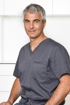 Portrait Dr. med. dent. Peter Randelzhofer, Implantat Competence Centrum München, Praxis für Implantologie und Parodontologie Dr. Cacaci & Dr. Randelzhofer, München, Zahnarzt