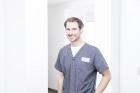 Portrait Dr.med.dent. Frederic vom Orde, Zahnärzte am Denkmal, Bochum, Zahnarzt, Oralchirurg