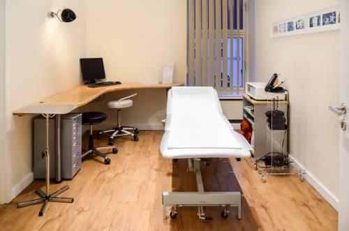 , Dr. med. Hubert Klauser, HAND- UND FUSSZENTRUM BERLIN, Berlin, Chirurg, Orthopäde, Handchirurg, zertifizierter Fußchirurg (GFFC)