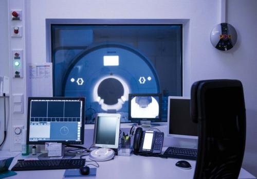 , Dr.med. Andreas Grust, Radiologie Düsseldorf MItte, Düsseldorf, Radiologe, Facharzt für Diagnostische Radiologie